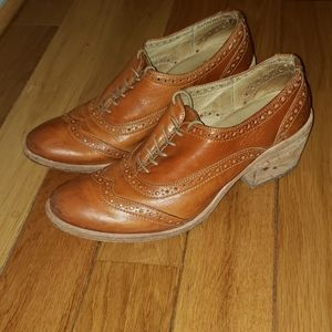 FRYE Carson Perforated Wingtip Oxfords